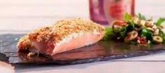 Salmon con costra de quinua y parmesano Sushi, Ethnic Recipes, Food, Sauces, Easy Recipes, Crusted Salmon, Crusts, Trout, Meals
