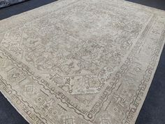 Turkish vintage large area rug, 8x11 Rug, Oversize rug, Palace heriz rug, Neutral Oushak rug-carpet, Faded rug, Handmade wool rug, Pale rugs Extra Long Runner Rug, Long Runner Rugs, Rug Runner, Large Area Rugs, Floor Rugs, Rugs On Carpet, Handmade Rugs, Wool Rug, Vintage Rugs