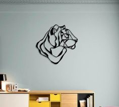 Tiger Head Trophy is part of the Animal Respectful Trophy II collection signed by Tes-Ted for Design. This wall art sign is made in Paris, France. Hall Design, Deco Design, Natural Wall Stickers, Sculptures Sur Fil, Wire Sculptures, Metal Art, Wood Art, Henna Animals, Tiger Design