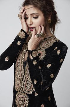 Pinterest: nazifa101 Anushka Sharma Sabyasachi Desi Indian Bollywood Photoshoot Black and gold Outfit