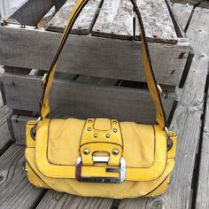 Perfect for Spring!Guess Yellow Shoulder Bag! Gorgeous buttercup yellow! No flaws that I see! Guess Bags Shoulder Bags