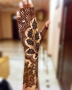 unique mehndi designs 💕💕 // by by Henna Inspiration Rose Mehndi Designs, Latest Bridal Mehndi Designs, Full Hand Mehndi Designs, Henna Art Designs, Wedding Mehndi Designs, Arabic Mehndi Designs Brides, Dubai Mehendi Designs, Hena Designs, Arabian Mehndi Design