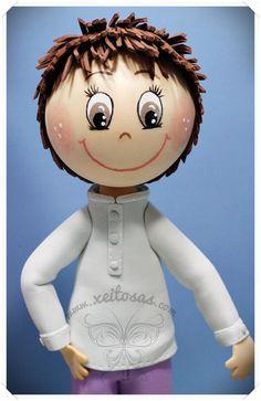 Fofucha niño personalizado con blusa, pantalón y zapatillas mustang  http://www.xeitosas.com/