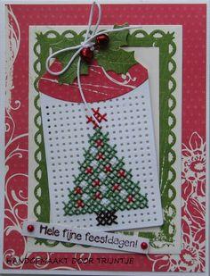 Trijntjes Kaarten Mini Cross Stitch, Cross Stitch Heart, Cross Stitch Cards, Simple Cross Stitch, Cross Stitching, Cross Stitch Embroidery, Cross Stitch Christmas Cards, Christmas Cards To Make, Christmas Cross