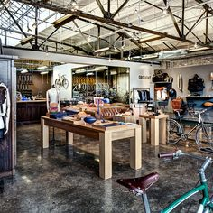 cool floor, brick wall etc The Shinola flagship store in Cass Corridor has played an instrumental role in rebuilding the area to a vibrant and exciting place. Bicycle Cafe, Bicycle Store, Tiny House Hotel, Shinola Detroit, Commuter Bike, Shops, Store Design, Coffee Shop, Shopping