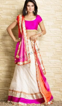 Go Girls ! Get yourself a Lehenga, ghagra or chaniya choli to look absolutely goegeous. Choosing the right choli designs will give you outright admiration. Lehenga Choli Designs, Ghagra Choli, Indian Lehenga, Gold Lehenga, Lehenga Saree, Pink Saree, Saris, Indian Attire, Indian Wear