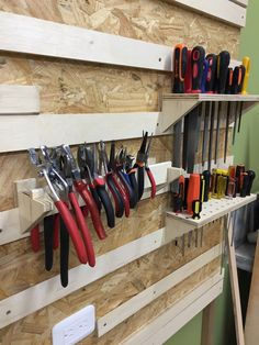 55 Hammer Woodworking tools 2019 55 Hammer Woodworking tools 2019 The post 55 Hammer Woodworking tools 2019 appeared first on Werkstatt ideen. Shed Shelving, Garage Wall Shelving, Garage Storage Racks, Tool Storage, Shelving Ideas, Workshop Storage, Garage Workshop, Garage Tools, Diy Garage