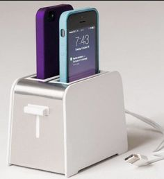 Foaster iPhone charger toaster design charge 2 phones in the same time gadget kitchen home birthday gift on Etsy // adorable. I would get an iPhone for this. Iphone Ladegerät, Iphone Charger, Coque Iphone, Cool Cases, Cute Phone Cases, Cool Iphone Cases, Gadgets And Gizmos, Technology Gadgets, Toaster Design