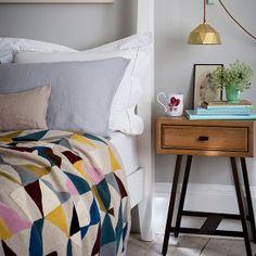 #interior #decor #styling #bedroom #linen #modern #midcentury #lamp #copper