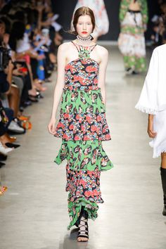 Andrew Gn Spring 2018 Ready-to-Wear  Fashion Show - Carson Zehner