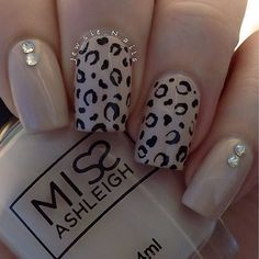 Looking for the best nude nail designs? Here is my list of best nude nails for your inspiration. Check out these perfect nude acrylic nails! Love Nails, How To Do Nails, Pretty Nails, Nail Deco, Nail Art Designs 2016, Leopard Nail Designs, Cheetah Nails, Nagel Gel, Fabulous Nails