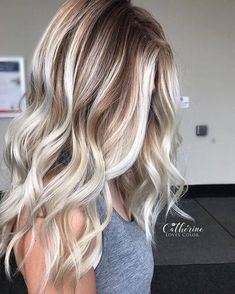 50 Insanely Hot Hairstyles for Long Hair That Will Wow You lange haare balayage 50 Insanely Hot Hairstyles for Long Hair That Will Wow You Icy Blonde, Blonde Fall Hair Color, Blonde Hair With Brown Highlights, Blonde Tips, Dark Roots Blonde Hair Short, Long Blond Hair, Toning Blonde Hair, Thin Hair, Brown Blonde