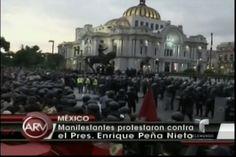 Fiesta de indpendencia muy peculiar donde los Mexicanos protestan y piden renuncia de su Presidente Peña Nieto por traidor