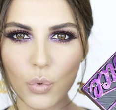 A Roundup of Gorgeous Urban Decay Vice4 Looks Blog by Pampadour