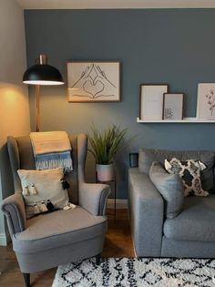 Cozy Living Rooms, Living Room Colors, Living Room Grey, Home Living Room, Living Room Designs, Living Room Decor, Denim Drift Living Room, Dulux Denim Drift Bedroom, Denim Drift Dulux Paint