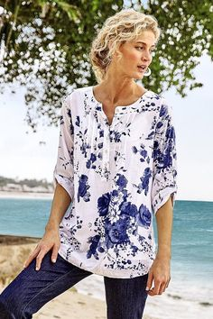 Casual Cotton Blend V-Neck Print Blouse – baezshop-store Half Sleeves, Types Of Sleeves, Trendy Clothes For Women, V Neck Blouse, Printed Blouse, Chic Outfits, Shirt Blouses, Long Sleeve Shirts, Womens Fashion