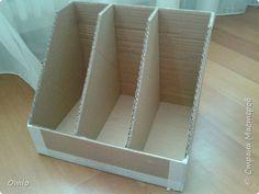 DIY Product Cardboard Stand for books Cardboard Storage, Diy Storage Boxes, Cardboard Box Crafts, Cardboard Furniture, Craft Room Storage, Craft Organization, Diy Karton, Diy Magazine Holder, Diy Home Crafts