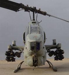 * Helicóptero Bell AH-1W SuperCobra *