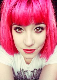 olibomb:   Aw I miss pink when I look at it. Why can't I have a different colour each day? I think I need to startwearingwigs!