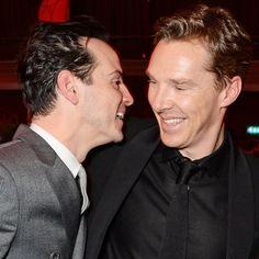 Pin for Later: Jeder will ein Stück von Benedict Cumberbatch abhaben