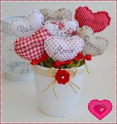 Risultati immagini per como hacer suela para espadrilles Fabric Hearts, Fabric Flowers, Valentines Day Decorations, Valentine Day Crafts, Home Crafts, Diy And Crafts, Sewing Crafts, Sewing Projects, Diy Y Manualidades