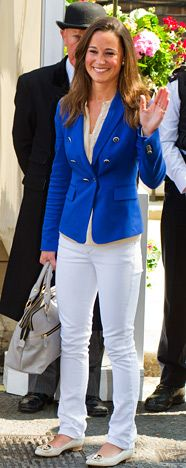 Such a chic outfit. Pippa Middleton.