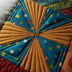 Quilting for my pinwheel quilt Patchwork Quilting, Quilt Stitching, Longarm Quilting, Free Motion Quilting, Machine Quilting Patterns, Quilt Patterns, Quilting Tutorials, Quilting Projects, Quilting Ideas