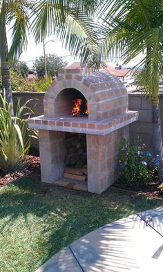 The Knox Family Wood Fired Brick Pizza Oven in California – BrickWood Ovens Outdoor Pizza Oven Kits, Brick Oven Outdoor, Outdoor Kitchen Plans, Diy Pizza Oven, Brick Oven Pizza, Pizza Ovens, Pizza Pizza, Outdoor Kitchens, Brick Grill