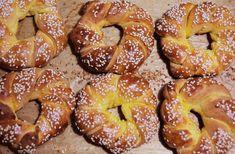 covrigi-dulci-14 Romanian Food, Bagel, Doughnut, Bread Recipes, Healthy Recipes, Healthy Food, Sweets, Desserts, Photos