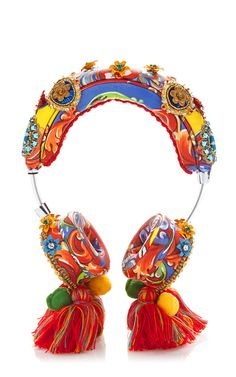 Shop Crystal and Bead Embellished Headphones with Tassels. A celebration of Italy as seen through the eyes of tourists in post-World War II Italy was the theme for Stefano Gabbana and Domenico Dolce's Spring 2015 collection. Stefano Gabbana, Altered Couture, Make And Sell, Fashion Shoes, Fashion 2017, Jewelery, Crochet Earrings, Jewelry Design, Crystals