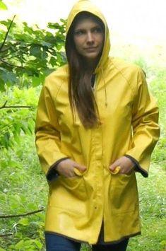 Raincoats For Women London Green Raincoat, Pvc Raincoat, Plastic Raincoat, Girls Wear, Women Wear, Rainy Day Fashion, Rubber Raincoats, Rain Suit, Hooded Cloak
