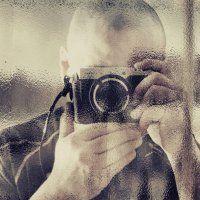 Illustrator/Photographer Canadian artist since 1993. Jean-François Dupuis work demonstrates his vivid imagination. Round Sunglasses, Mens Sunglasses, Canadian Artists, Fashion Images, Jeans, Imagination, Illustration, Photography, Man Sunglasses