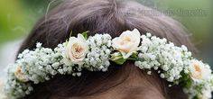 Couronne de gypsophile et de petites roses crèmes - Mariage en Provence...
