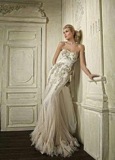 Elegant with vintage feel, Wedding dress idea
