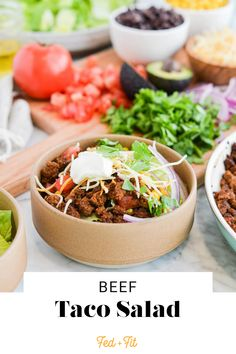 This beef taco salad makes for a quick (but extremely satisfying) throw-together dinner on busy weeknights and weekends alike! Kitchen Recipes, Cooking Recipes, Paleo Salad Dressing, Healthy Weeknight Dinners, Easy Meals, Fed And Fit, Paleo Salad Recipes, Salad In A Jar, How To Make Salad
