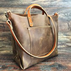 The Alex Leather Tote - Olive Tan