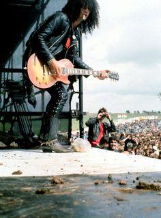 #slash #gnr #gunsnroses #rockstar #rockicon #bestsingerever #hottestmanalive #livinglegend