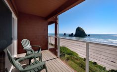 Oregon: Hallmark Resort & Spa in Cannon Beach  Located just steps from Cannon Beach—and with a perfect view of the largest sea stack on the Pacific Coast, Haystack Rock—the Hallmark Resort & Spa is an ideal Oregon destination for relaxing with a loved one. Rooms are cozy, but totally contemporary, and the hotel's spa features a heated salt-water pool and a sauna.