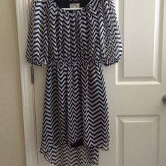 🎊Host Pick🎊🎉Chevron High low dress High low dress with sleeves that are scrunch up. Dresses High Low