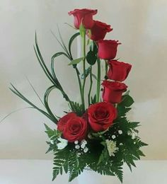 on Arreglos de flores Valentine Flower Arrangements, Creative Flower Arrangements, Large Flower Arrangements, Funeral Flower Arrangements, Valentines Flowers, Funeral Flowers, Design Floral, Deco Floral, Arte Floral