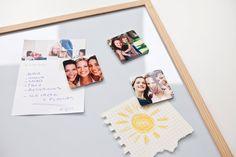 Kjøleskapsmagneter med dine egne bilder er den perfekte måten å få en personlig touch på kjøleskapet og oppslagstavlen. Heng opp huskelapper og barnas tegninger med runde, kvadratiske eller hjerteformede magneter fra smartphoto. Magneter med foto er den perfekte gå-bort-gaven!