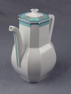 Bernardaud Limoges France  OTELLO  Coffee/Tea Pot with Lid NEW Absolutely stunning coffee vessel. Never used and getting very hard to find. Please see the detailed photos. Overall size is 8.5  tall x