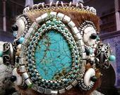 Manchette ethnique brodée perle et turquoise :ISTAMBUL : Bracelet par kokopelli