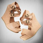 Vera Wang Platform Wedge Nude Sandals
