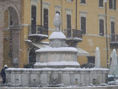 The Pigna fountain is a fountain of Roman origin, in white marble, situated in the historic center of Rimini, Piazza Cavour. Until 1912 it was the only source of drinking water.