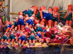 Muñecas de carton by MaLuMaPe, via Flickr