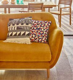 """132 Likes, 4 Comments - @habitatnorge on Instagram: """"Jaaa til vår og freshe farger! Sofaen Jerome i gul velour er nå rett rundt hjørnet og vi klarer…"""""""