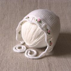 White baptism hat with pink roses knitted baby hat for christening white merino bonnet MADE TO ORDER : White baptism hat with pink roses knitted baby hat for christening white merino bonnet MADE TO ORDER Baby Hats Knitting, Baby Knitting Patterns, Knitting Designs, Hand Knitting, Knitted Hats, Crochet Hats, Baby Girl Hats, Girl With Hat, Cadeau Baby Shower