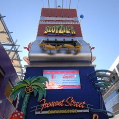 Taking the kids to Vegas?  They'll have fun, here's how...: Zipline in Downtown Las Vegas