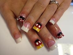 Mickey and Minnie Mouse Nails. Get Nails, Love Nails, How To Do Nails, Pretty Nails, Hair And Nails, Mickey Mouse Nail Art, Minnie Mouse Nails, Mickey Nails, Disney Acrylic Nails